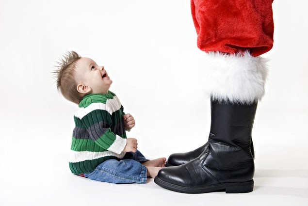 10-ways-to-bring-santa-to-your-house_31059