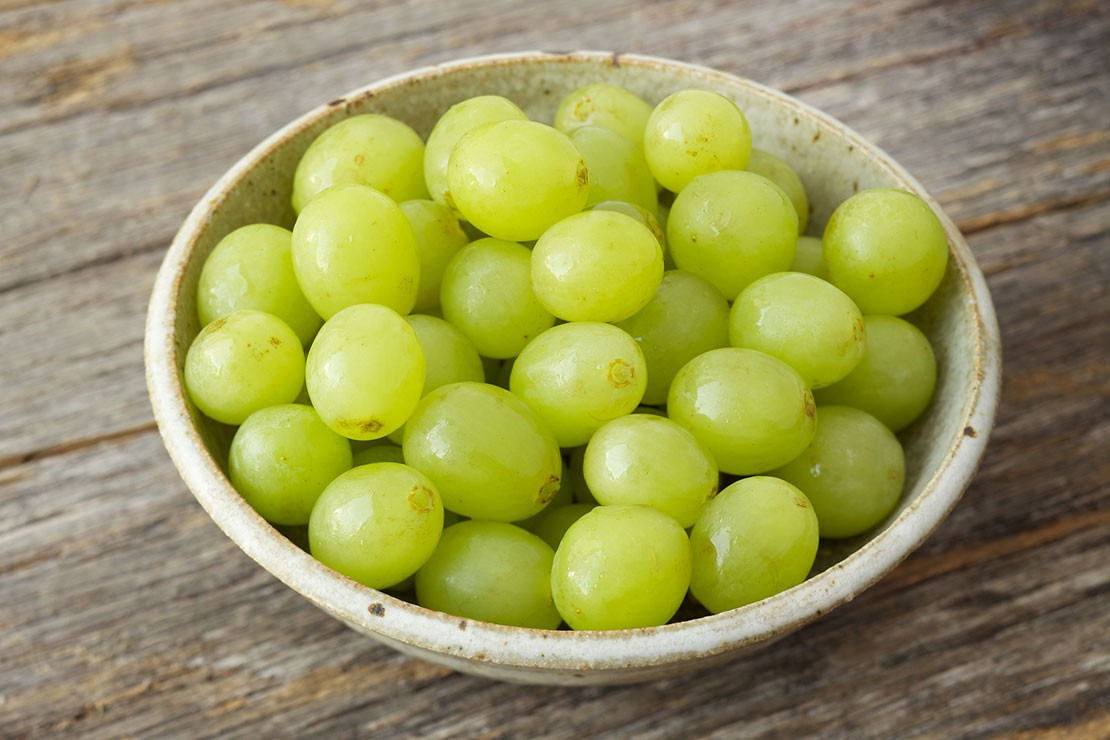 10-weeks-pregnant_week-10-grape