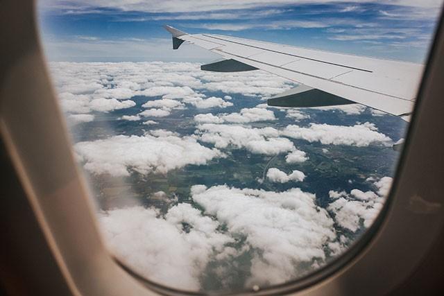 17-weeks-pregnant_week17-flying-499560417