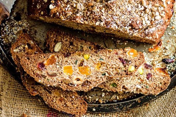 muesli loaf olive