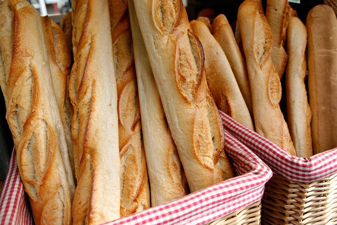 20-weeks-pregnant_week-20-french-baguette