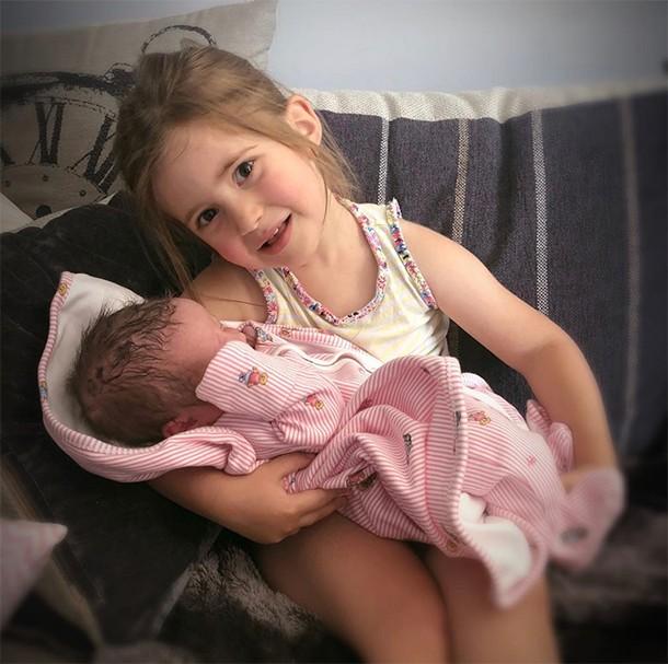 jacqueline jossa welcomes baby mia
