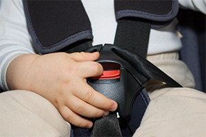 3-ways-to-stop-your-child-getting-out-of-a-car-seat_135932