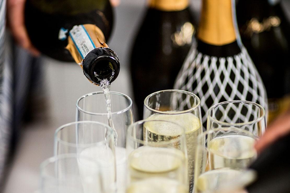 31-weeks-pregnant_week-31-champagne