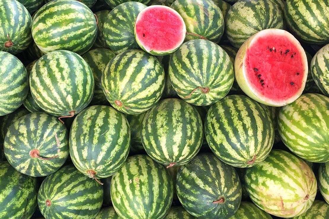 35-weeks-pregnant_week-35-watermelon