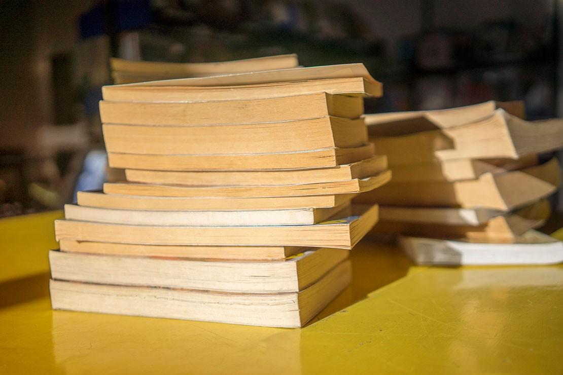 37-weeks-pregnant_week-37-paperbacks