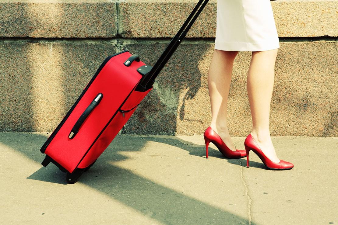 38-weeks-pregnant_week-38-suitcase
