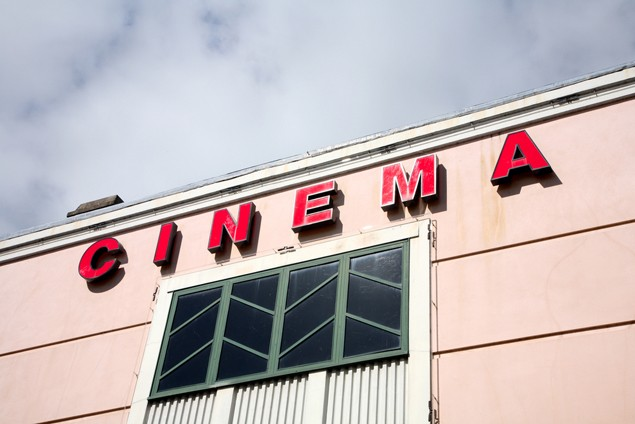 5-ways-to-save-money-at-the-movies_16373