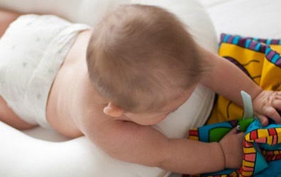 a-baby-bed-thats-also-a-tummy-time-mat_18773