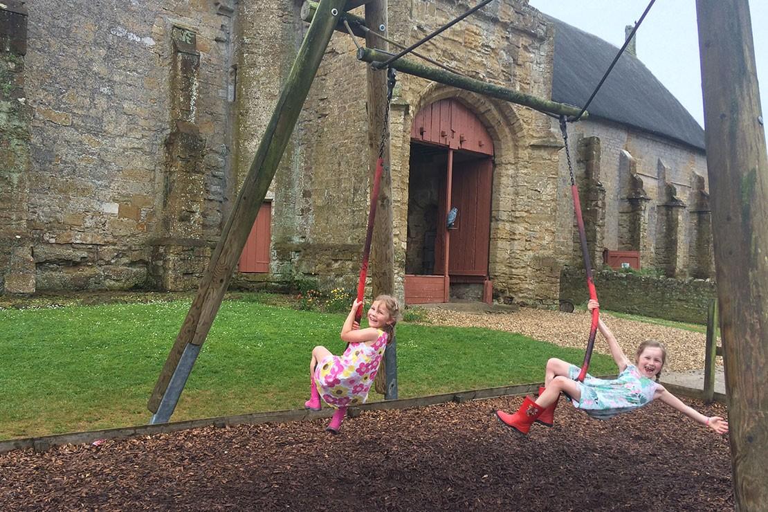 abbotsbury-childrens-farm-dorset_h