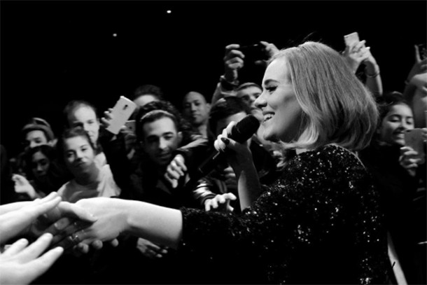 adele-slams-the-ridiculous-pressure-to-breastfeed_147796