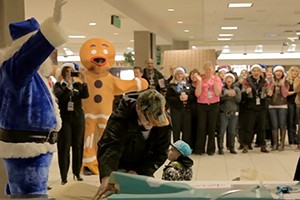 airlines-astonishing-christmas-miracle-stunt-made-us-cry-video_139247