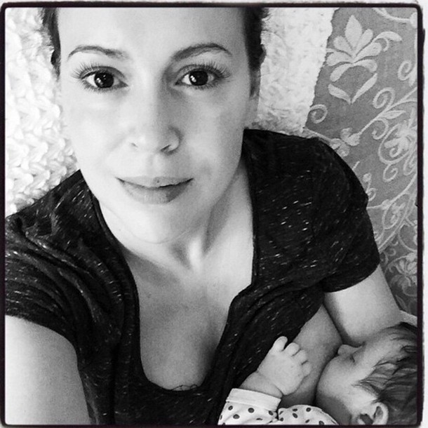 alyssa-milanos-breastfeeding-selfie_62314