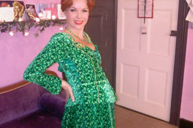 amanda-holden-shows-off-baby-bump-in-princess-fiona-costume_27839