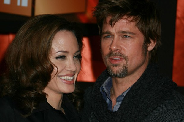 angelina-jolie-and-brad-pitt-charter-a-whole-train-for-uk-travels_6536