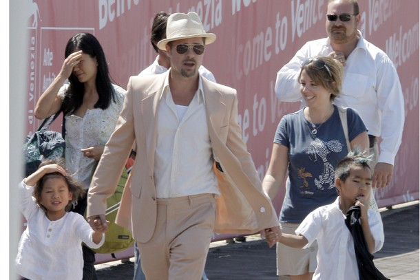 angelina-jolie-brad-pitt-and-children-family-facts_163698