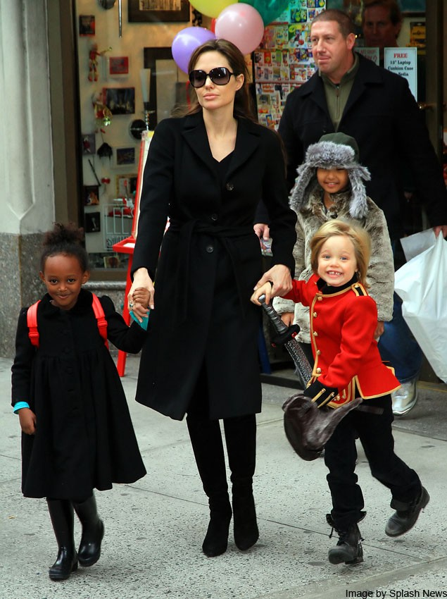 angelina-jolie-takes-tomboy-daughter-shiloh-shopping_18193