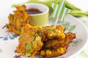 annabel-karmels-carrot-and-sweetcorn-fritters_61382