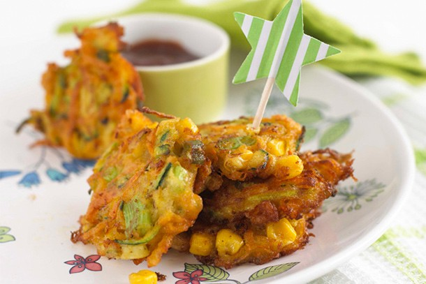 annabel-karmels-carrot-and-sweetcorn-fritters_61383