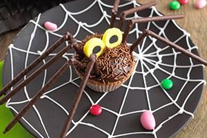 annabel-karmels-chocolate-spider-cupcakes_61223