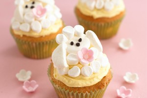 annabel-karmels-easter-marshmallow-lamb-cupcakes_55791
