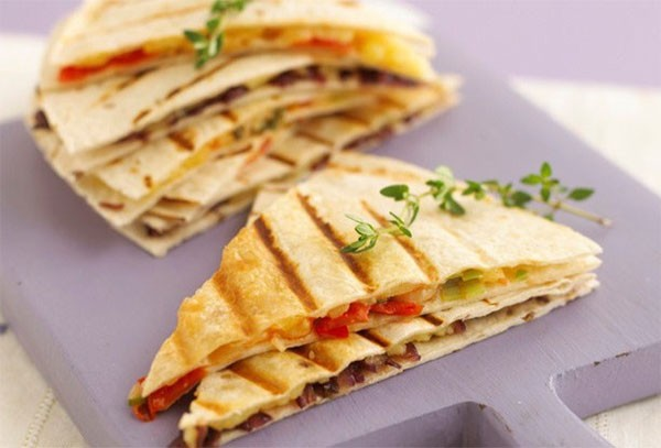annabel-karmels-tomato-and-cheese-quesadillas_138851