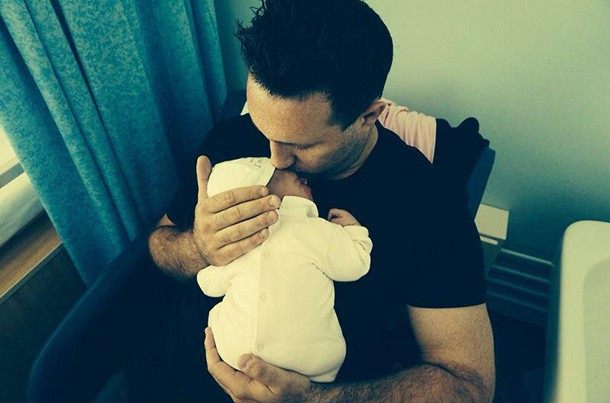 antony-costa-shares-first-pics-of-baby-daughter_59725