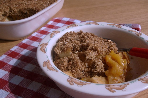 apple-and-apricot-crunch_55247