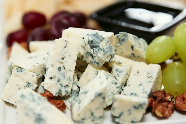what are the risks of blue cheese when pregnant  madeformums