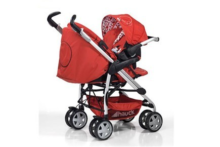 attaching-a-car-seat-to-a-buggy_13055