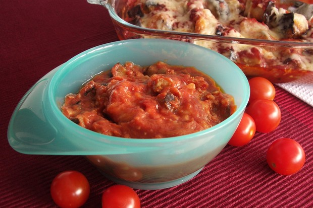 aubergine-and-tomato-bake_48729