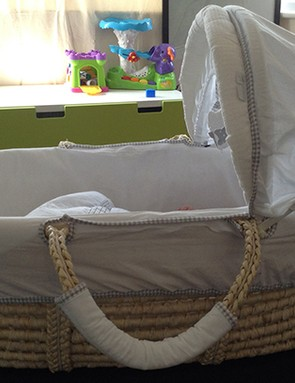 babies-r-us-starry-night-moses-basket_61212