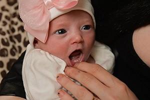 baby-born-with-teeth_216072