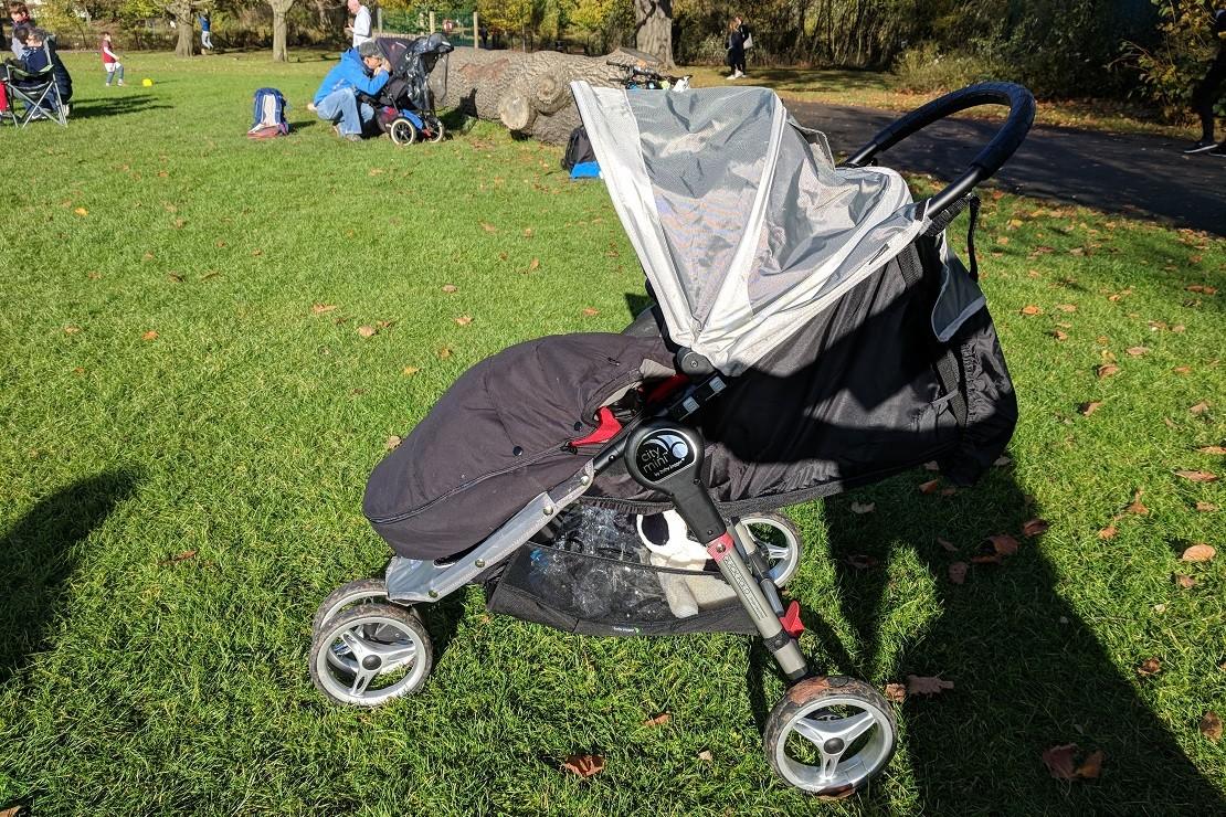 Baby Jogger City Mini has a huge hood