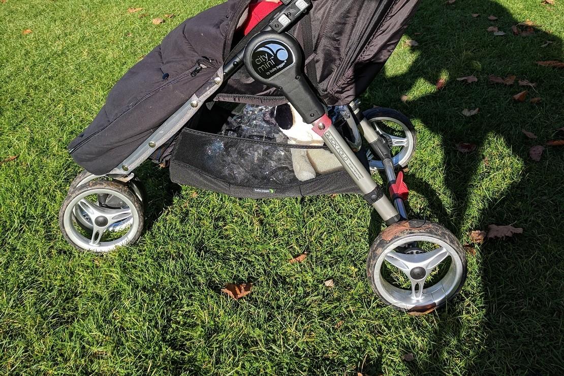 Baby Jogger City Mini is a three-wheeler