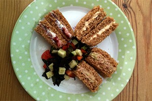 baby-sandwiches-with-chopped-salad_128215