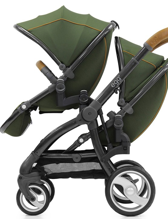 babystyle-egg-double-pushchair-review_145966