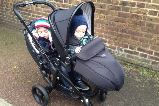 babystyle-egg-double-pushchair-review_145972
