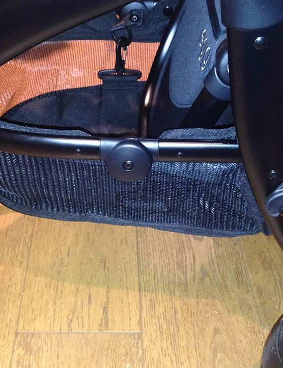 babystyle-egg-double-pushchair-review_145982