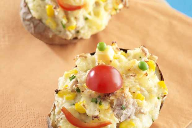 baked-souffle-potatoes-with-edam-tuna-and-sweetcorn_15422