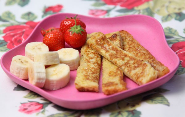 banana-with-eggy-bread-soldiers_42225
