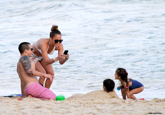 beach-time-for-jennifer-lopez-and-the-twins_38846