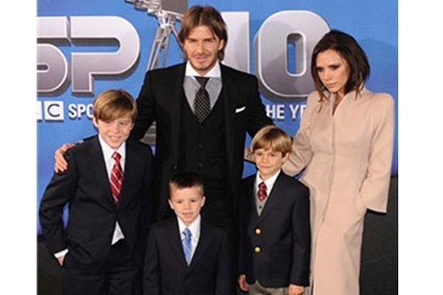 beckham-boys-donate-their-toys-to-sick-children_19743
