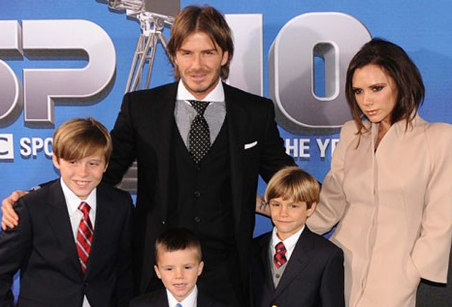 beckham-family-has-christmas-card-mishap_24117
