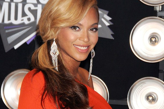 beyonce-and-jay-z-reportedly-splash-1million-on-baby-blue_27502