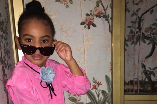beyonces-daughter-blue-ivy-is-snapped-by-proud-auntie-solange_159210