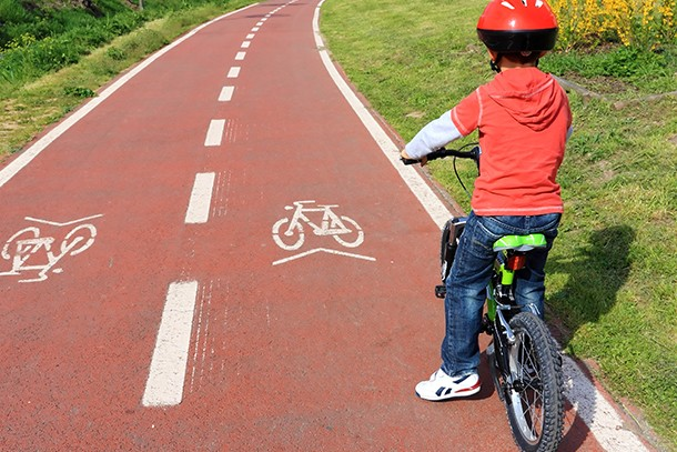 bike-safety-the-golden-rules-to-teach-your-child_128947