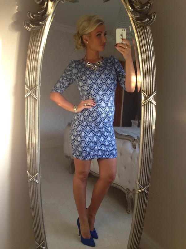 49346416532 Billie Faiers  24-weeks pregnant TOWIE maternity style - MadeForMums