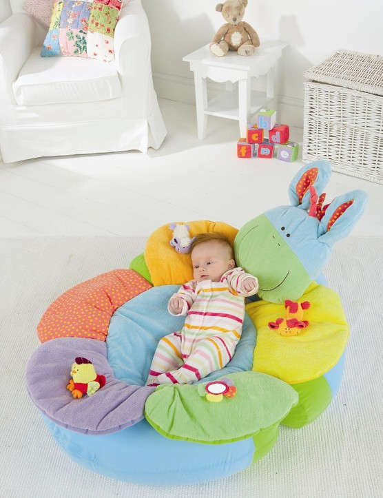 blossom-farm-sit-me-up-cosy_3873