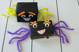 box-spiders-halloween-crafts-instructions_186816